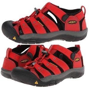 Keen boys shoes/sandals